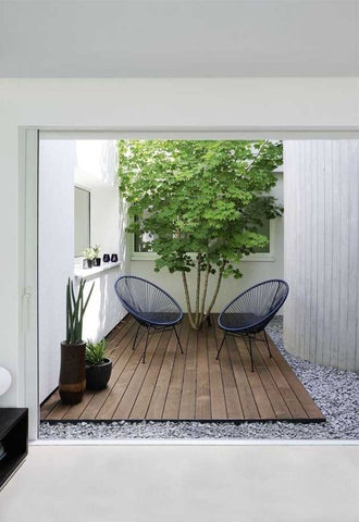 Late Summer: Tiny Modern Outdoor Spaces - Picture 1