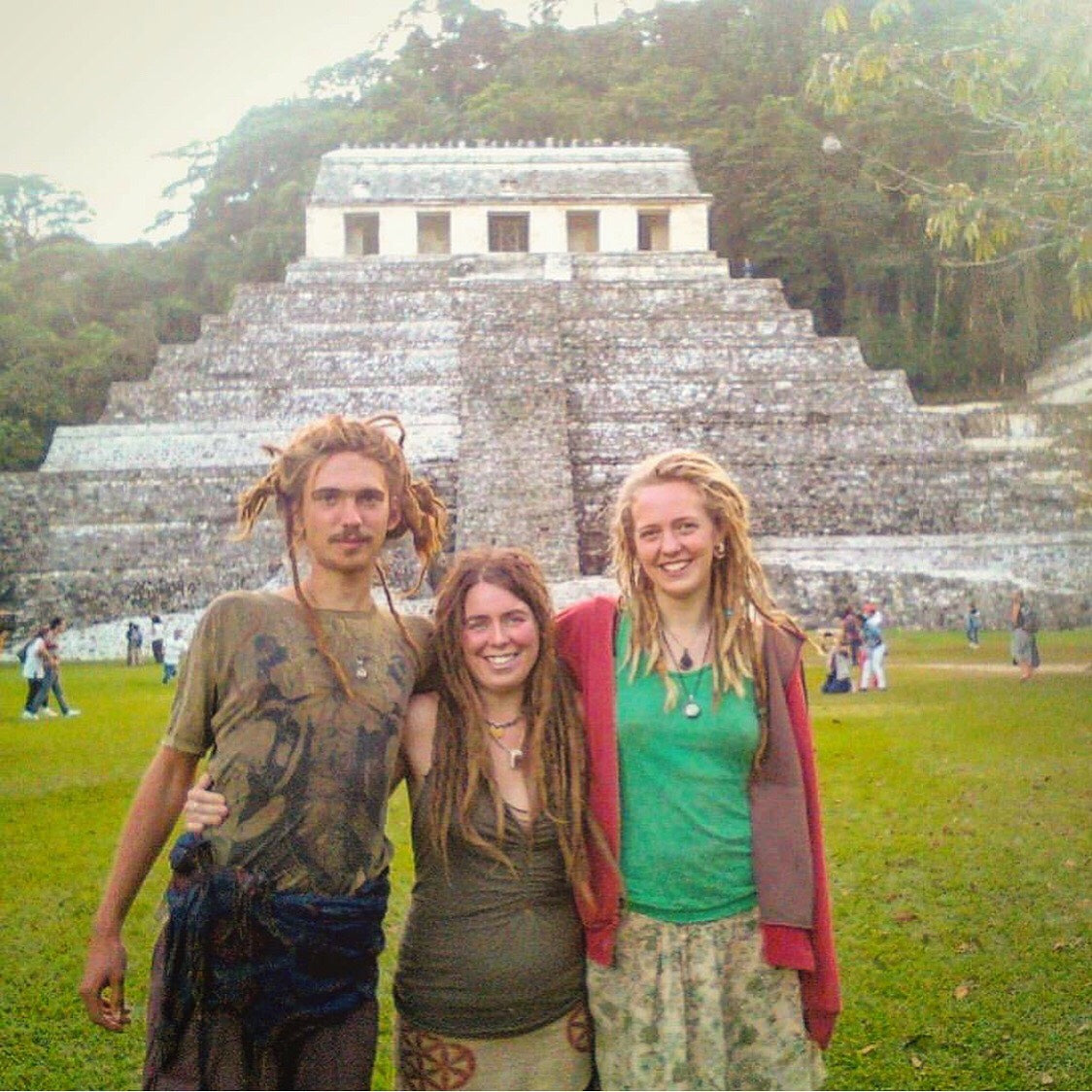 Peak of Travels / Hitchhiking Guatemala / International Festivals / Ancient Pyramids