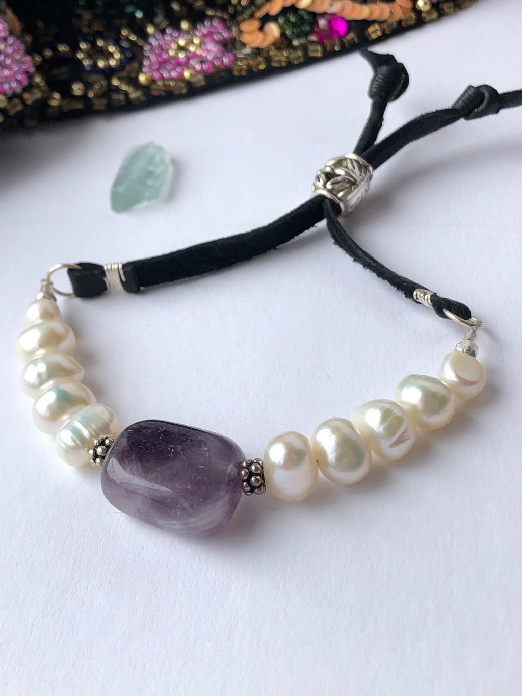 Amethyst Pearl Bracelet / Freshwater Pearls / Black Deerskin Leather Adjustable / Sterling Silver / Amethyst Bracelet