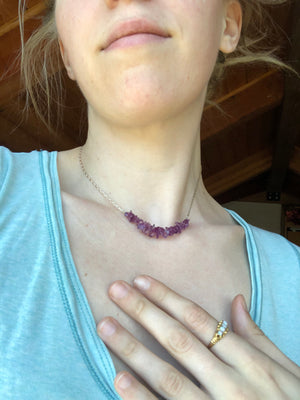 Amethyst Chips Necklace / Sterling Silver Chain / Upcycled Vintage / Natural Purple Gemstone Chips Necklace / Dainty Gemstone Stack Jewelry