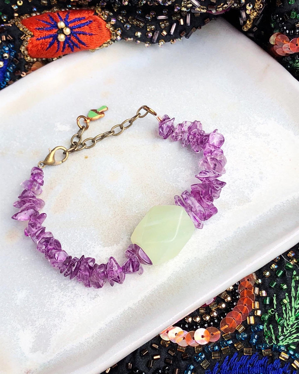 Amethyst Jade Bracelet / Upcycled Vintage Amethyst and Jade / Natural Gemstone Chips / Purple Green Jewelry Spring / 1970s Mushroom Charm