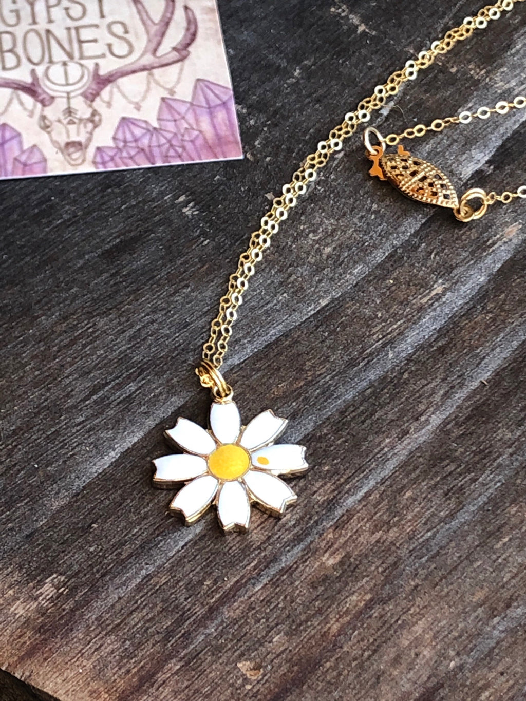 Daisy Necklace / April Birthday Gift April Birth Flower Daisy Necklace / 14k Gold Filled Chain Clasp Vintage Daisy Pendant Enameled Brass