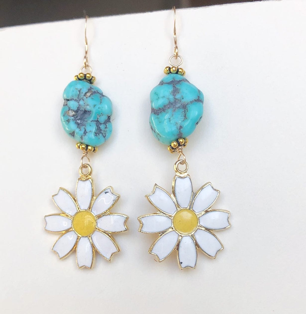 Turquoise Daisy Earrings / April Birth Flower Birthday Gift / Genuine Turquoise Raw Nuggets / 14k Gold Filled / Vintage Daisy Enamel Charms