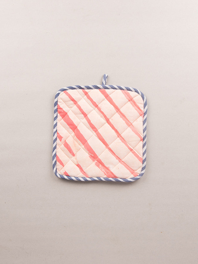 Basik Pop Pot Holder Pair in Coral