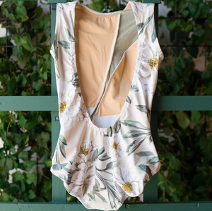 Buy online high quality Lucky Leo - Almond Camellia & Cream Mesh Flare - The Movement Boutique - Kelowna