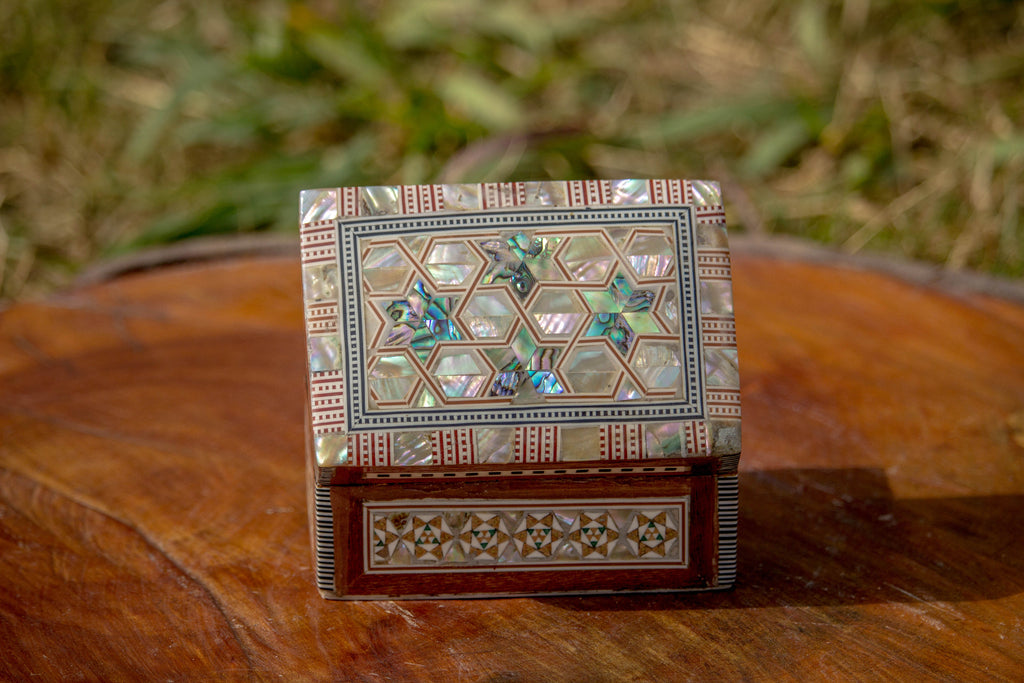 Islamic Egyptian Inlaid Mother of Pearl Wooden Jewelry Box. Classic Islamic Ottoman Pattern. Vintage Treasury Box.