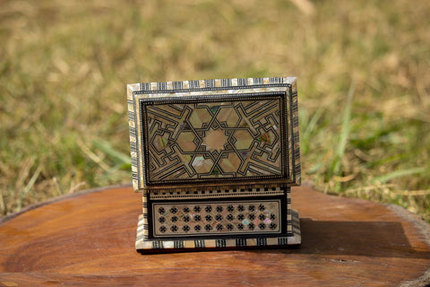 Royal Egyptian Inlaid Mother of Pearl Wooden Jewelry/Islamic Box. Classic Islamic Ottoman Pattern. Vintage Treasury Box.