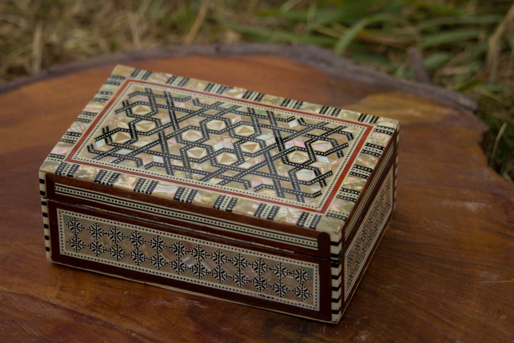 Egyptian Inlaid Mother of Pearl Wooden Jewelry Box. Rhythmic lines design. Vintage Treasury Box.