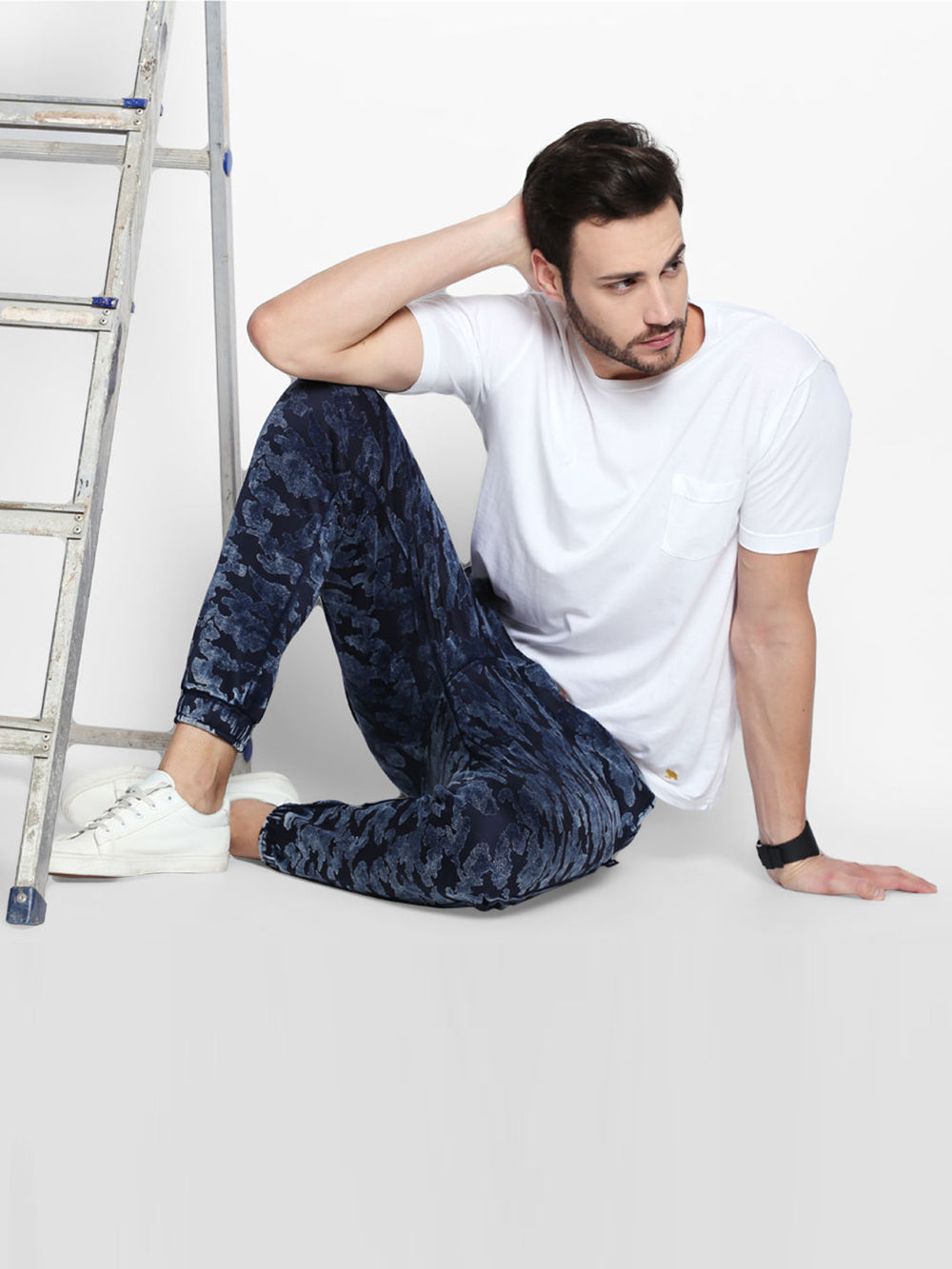 Disrupt Navy Camouflage Pattern Cotton Joggers For Men's