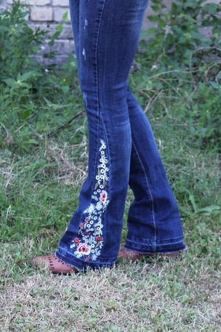17014 Floral Embroider Jean