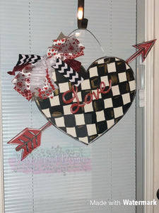 Heart & Arrow Door Hanger