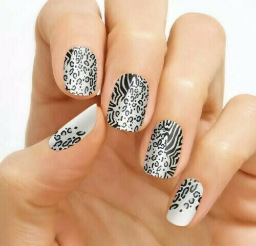 Zebra On The Spot 100% Nail Polish Strips
