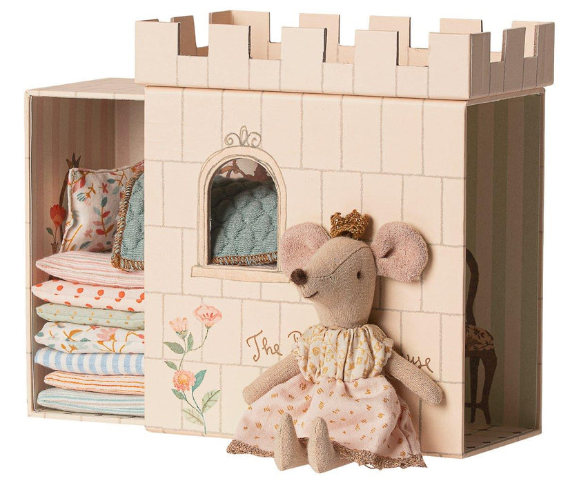 Maileg Maileg Princess on the Pea - Big Sister Mouse - Pearls & Swines