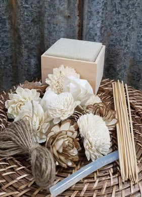 Wedding Week Center Piece Kit- 4 inch  Box - Raw Flowers