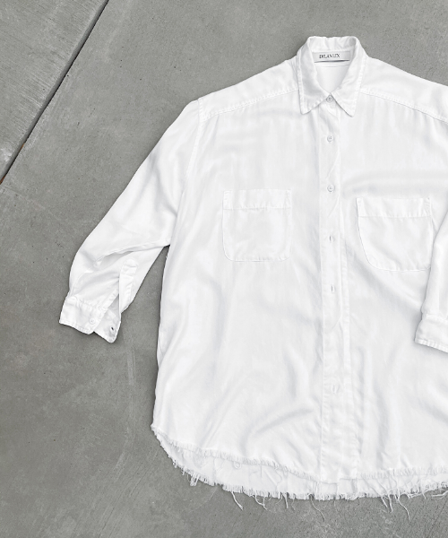 DLEX SHIRT: Button down shirt made from sustainable fabric