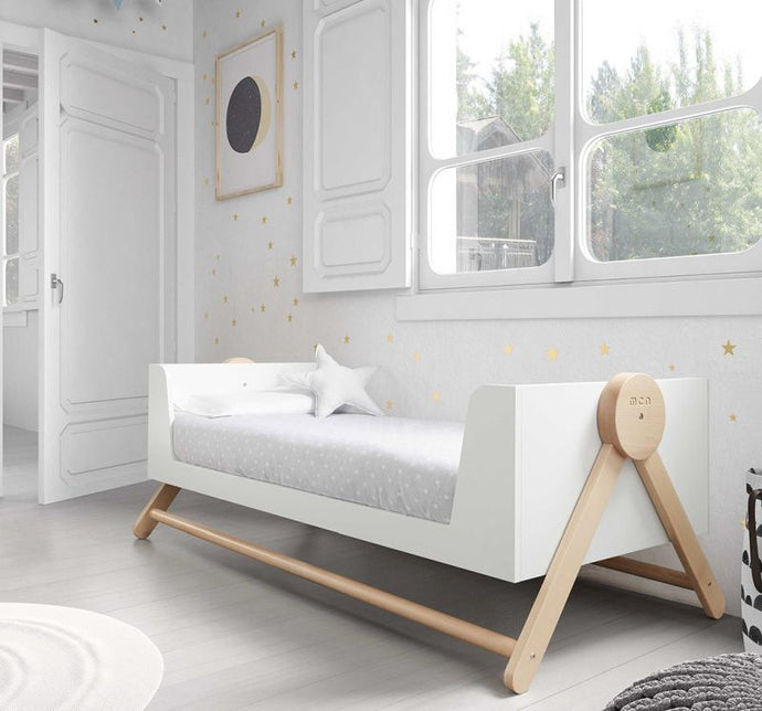 Kradyl Kroft Micuna Wooden Crib - Modern Design