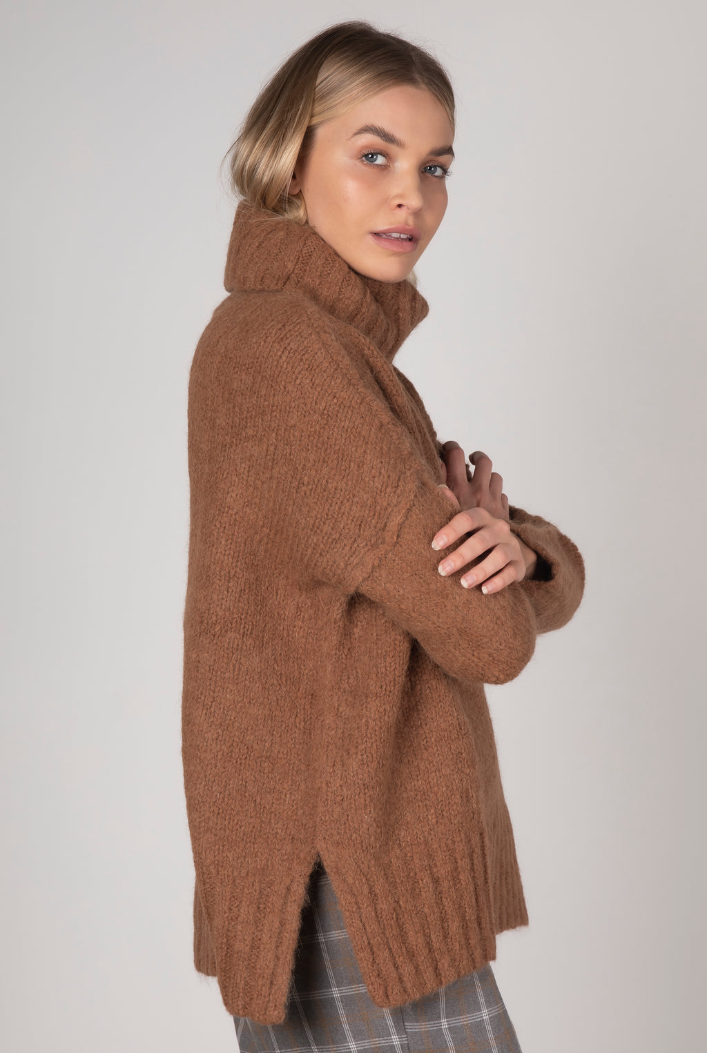 Zaket & Plover Comfort Roll Neck Knit - Coffee
