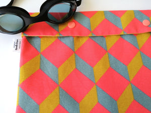 Pochette 'Swimming Pal' - cubic fluo -