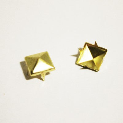 "1/4"" Gold Pyramid Studs (100-pack)"