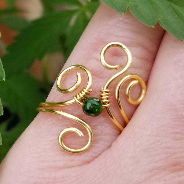 Flaming Spirals Ring with Green Chrome Diopside Stone