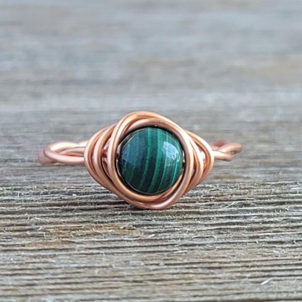 Twisted Cyclops with Green Malachite Stone