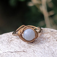 Twisted Cyclops with White Labradorite Stone