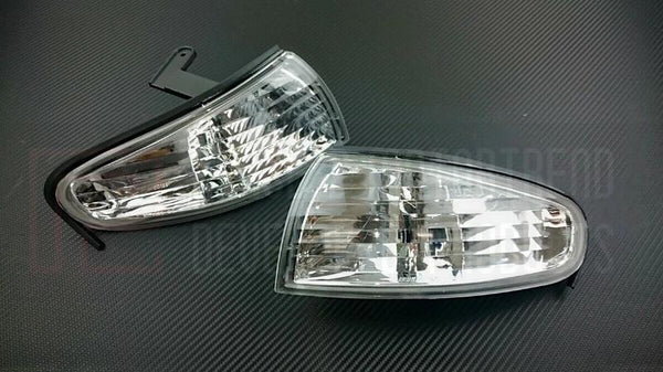 Phase 2 Motortrend (P2M) Clear Front Side Corner Lights - Nissan 240SX S14 Zenki (1995-1996)
