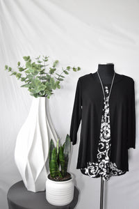 Red Corral Black and White Blouse