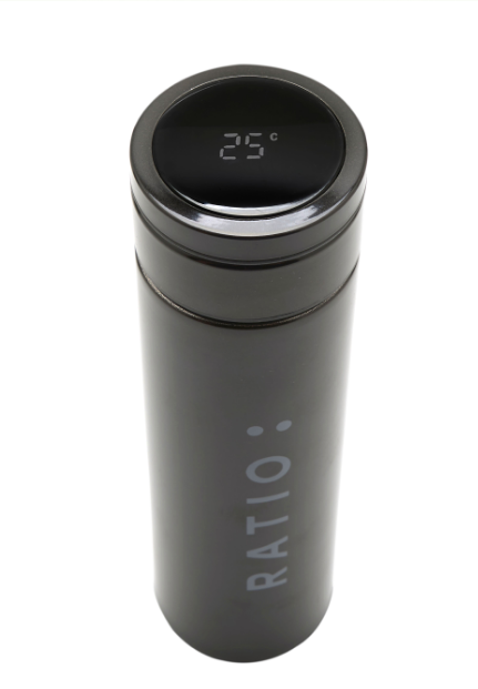 Water bottle with SMART temperature indicator