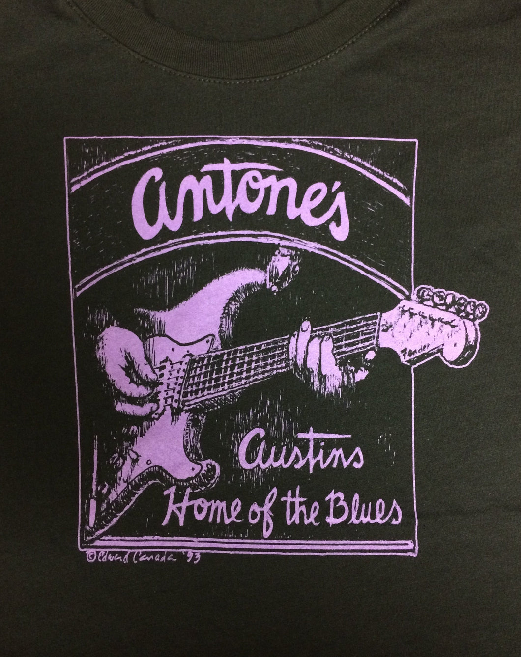 Antone's Purple Guitar, Black, Women's 2xl - T-shirt