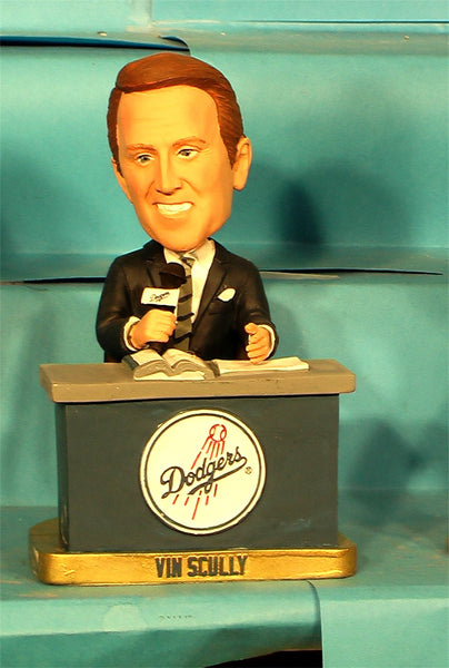 Vin Scully SGA bobblehead LA Dodgers