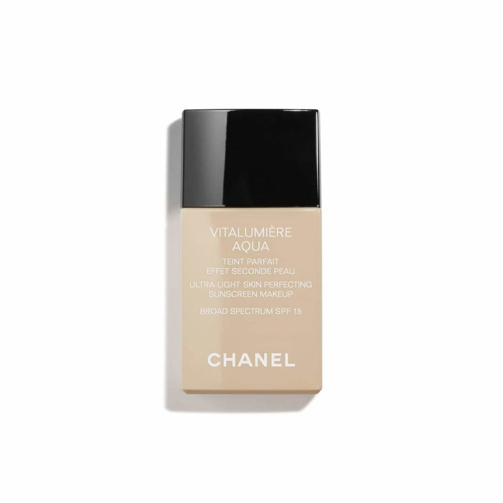 Ultra-Light Skin Perfecting Makeup SPF 15 - Chanel