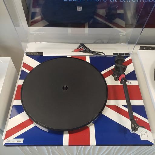 Rega Planar 1 UK Edition w/ Carbon
