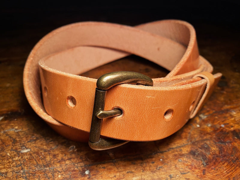Russet harness leather ashfield belt with antique brass buckle