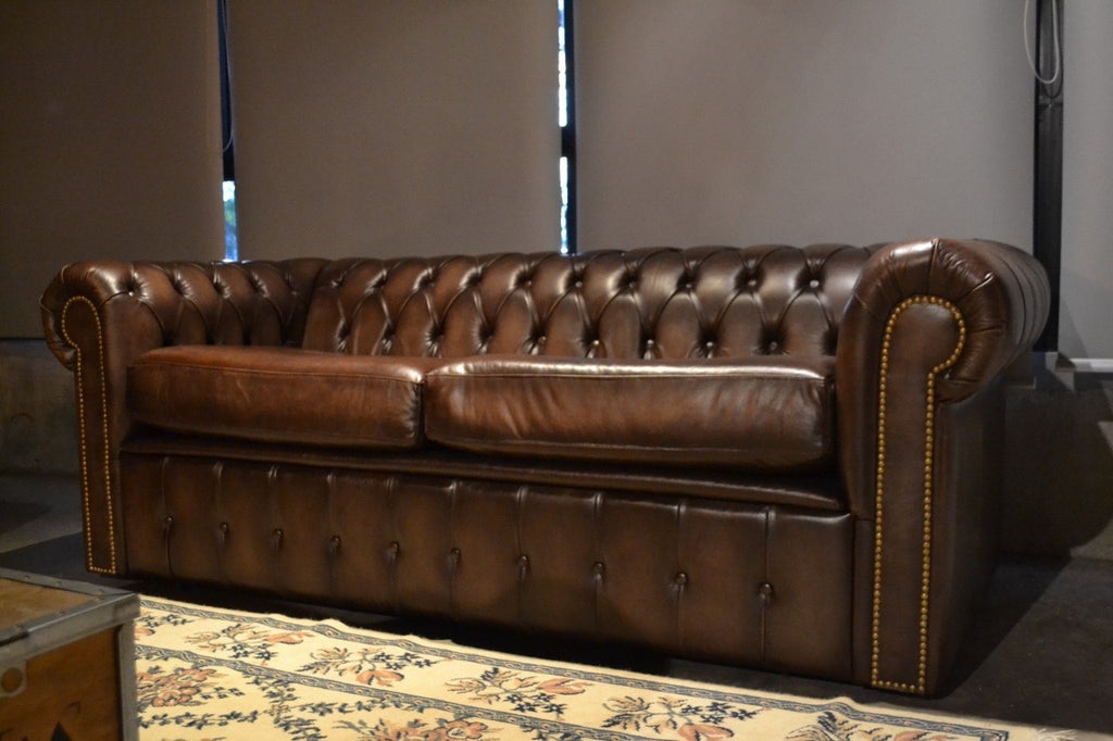 SOFA CAMA CHESTERFIELD HAND WASH