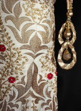 Load image into Gallery viewer, Royal Rajwada Style Lehenga Ensemble