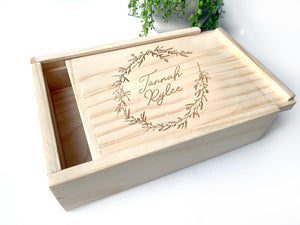 Wreath sliding lid keepsake box