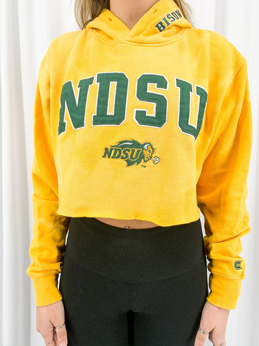 North Dakota State University Acid Wash Crop Sweatshirt - M