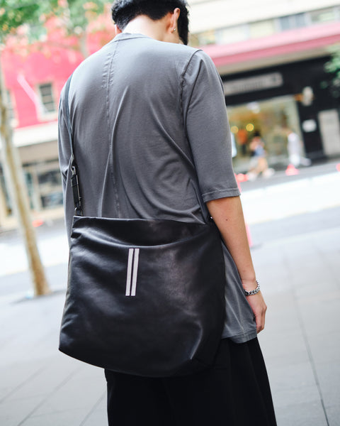 CALF LEATHER MEDIUM BALLOON BAG