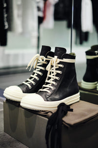 LEATHER HI-TOP SNEAKER W - BLACK/MILK
