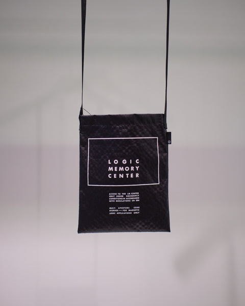 UNDERCOVER BLACK SHOULDER BAG