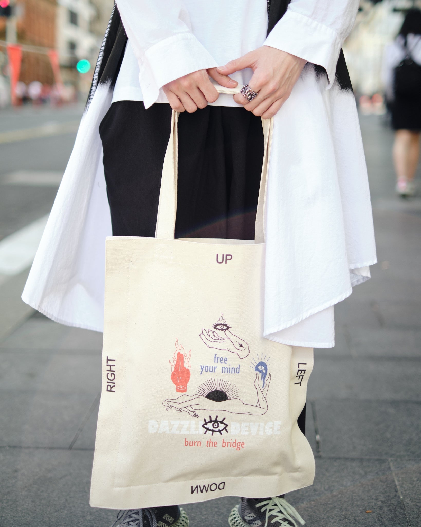 LIMI feu PT TOTE BAG - OFF WHITE