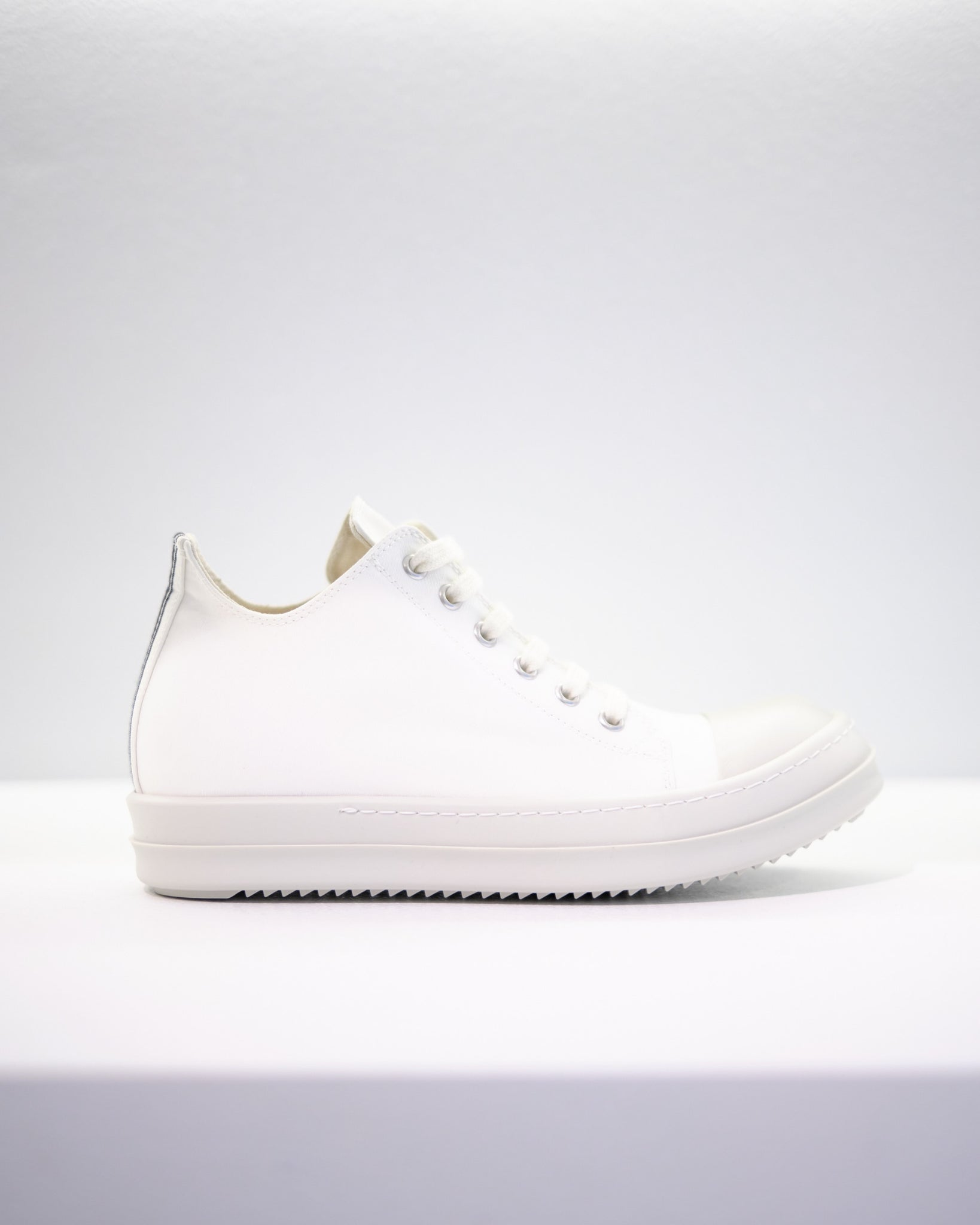 LOW-CUT W SNEAKERS - CHALK WHITE