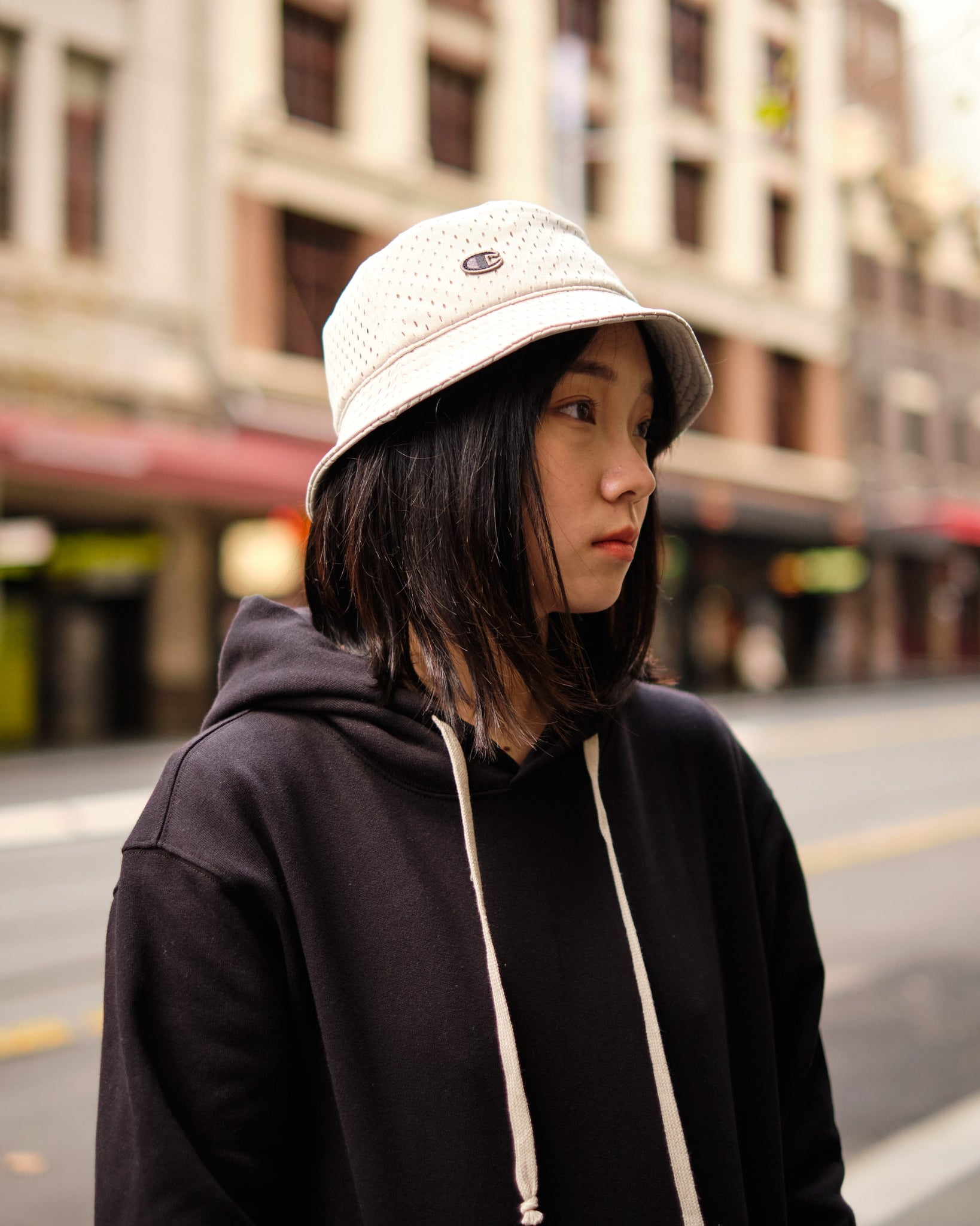 MESH BUCKET HAT - PEARL