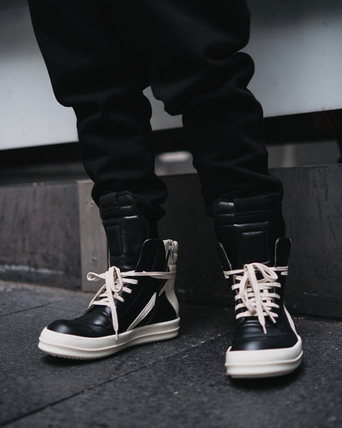 GEOBASKET HI-TOP SNEAKER - BLACK/MILK