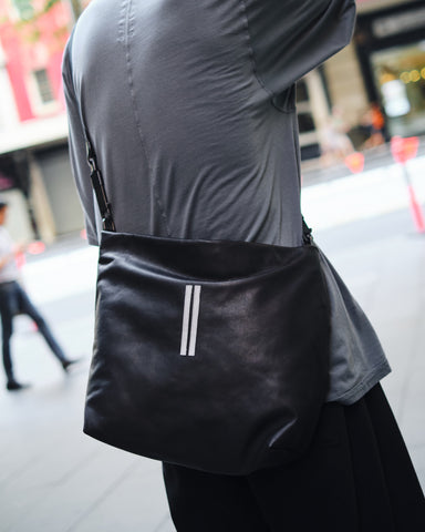 RICK OWENS LEATHER MEDIUM BALLON BAG [RA19F0483-LCWBH-09]
