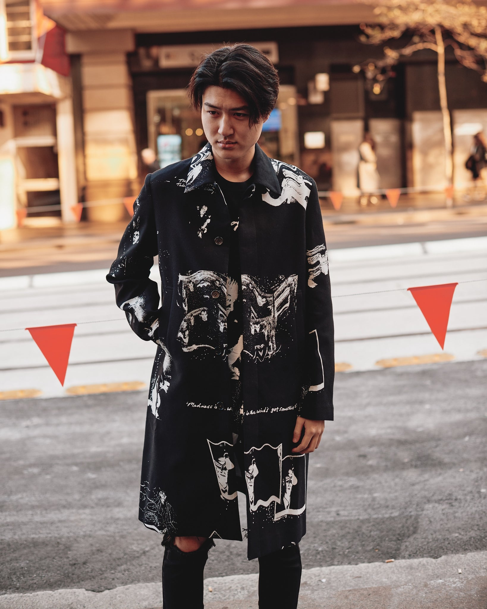 UNDERCOVER ALLOVER PRINT COAT