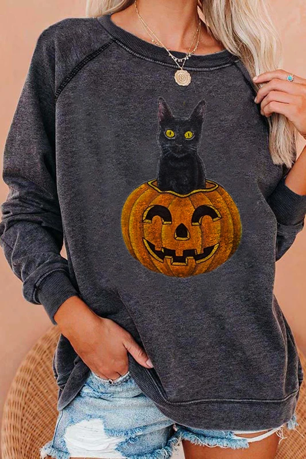 Black Cat Sitting On The Pumpkin With Smile Face Halloween Print Sweatshirt