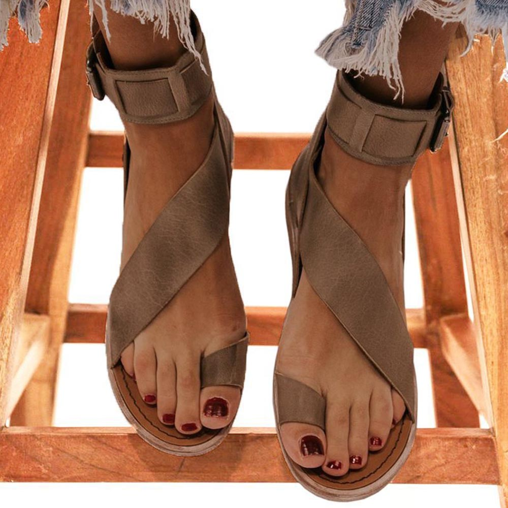 Solid Roman Buckle Clip Toe Flat Holiday Sandals