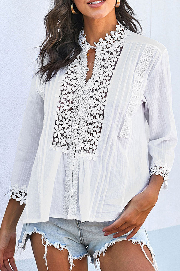 Elegant Floral Lace Paneled Buttoned 3/4 Sleeves Pleated Blouse